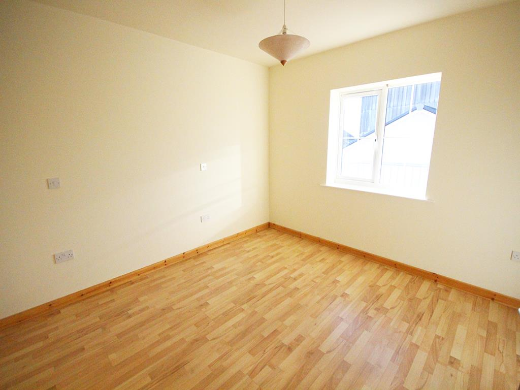 2 bedroom apartment For Sale in Colne - IMG_1341.jpg